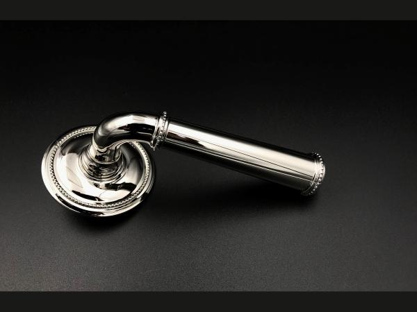 Дверная ручка Frank Allart на розетке