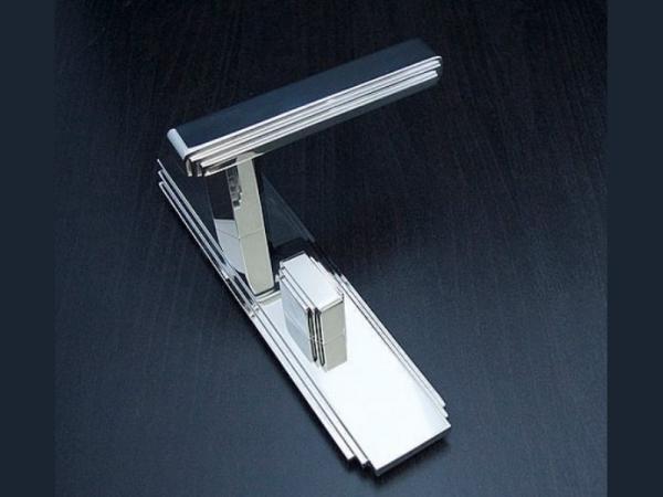 Дверная ручка на планке Oliver Knights