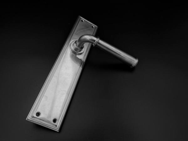 Дверная ручка на планке Frank Allart