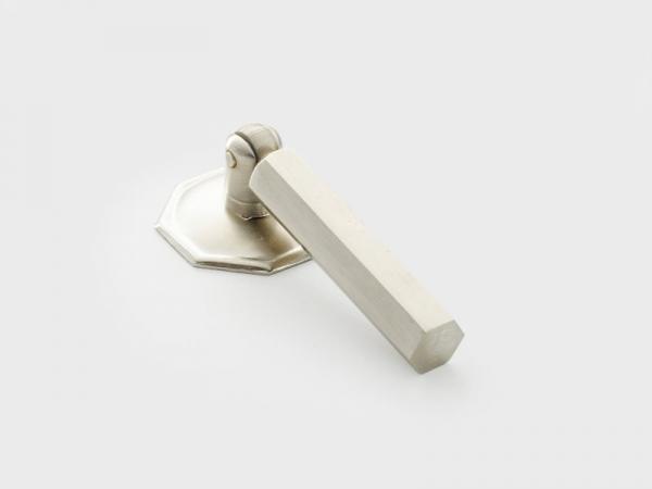 Мебельная ручка-капля Armac Martin